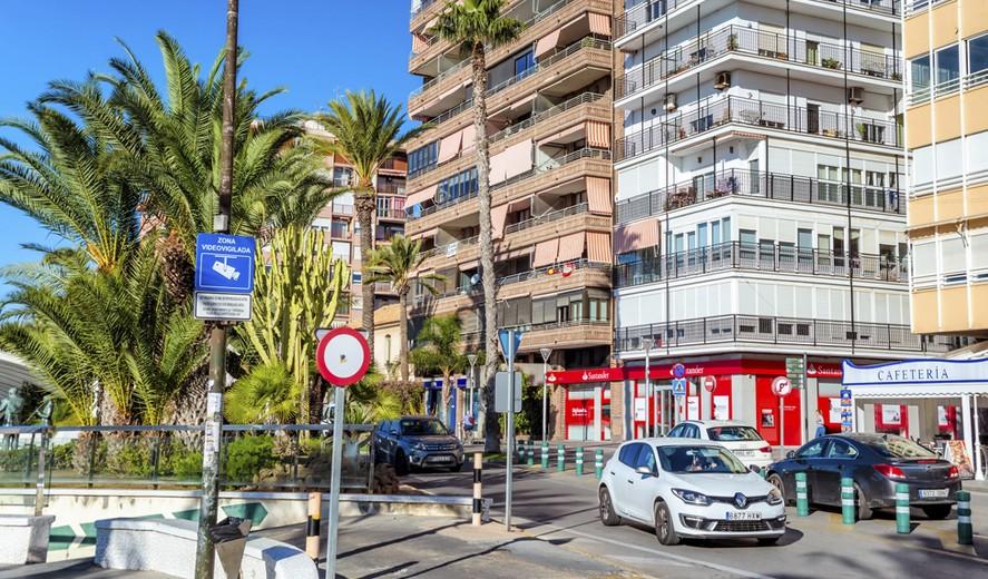 fd0c0a337a5 Магазины в Торревьехе расположены преимущественно в самом центре (небольшие  монобрендовые и мультибрендовые бутики) и на периферии (крупные магазины и  ...