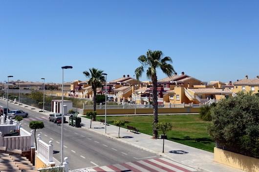 Chalet independiente con vistas al mar en La Veleta