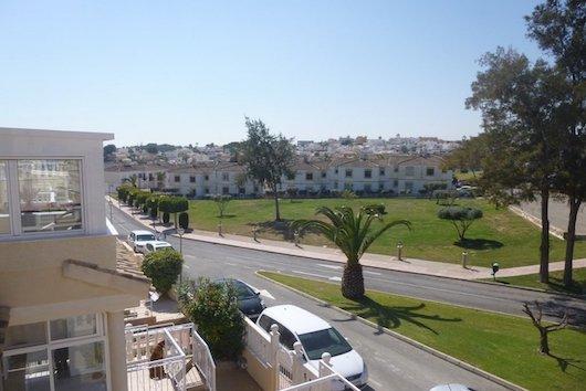 Buy a cheap villa in Orihuela Costa