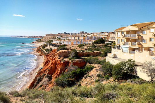 Buy villas in Spain
