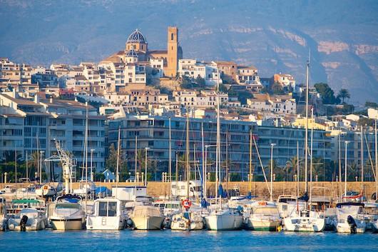 Великолепная квартира в роскошной урбанизации Вилла Гадеа в Альтеа.