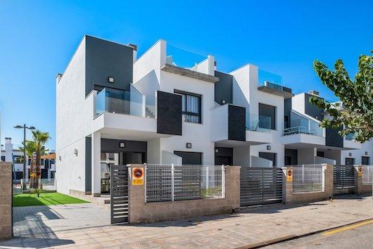 Купить недвижимость в Пилар-де-ла-Орадада недорого
