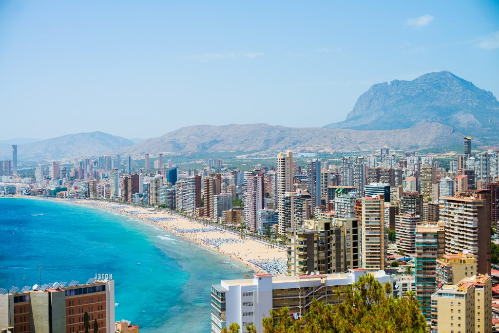 Low-cost Spanish property for permanent residence: Benidorm and its satellite towns