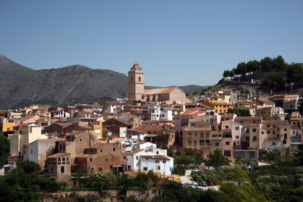 Обзор города Ла-Нусия: история, погода, достопримечательности, жилье