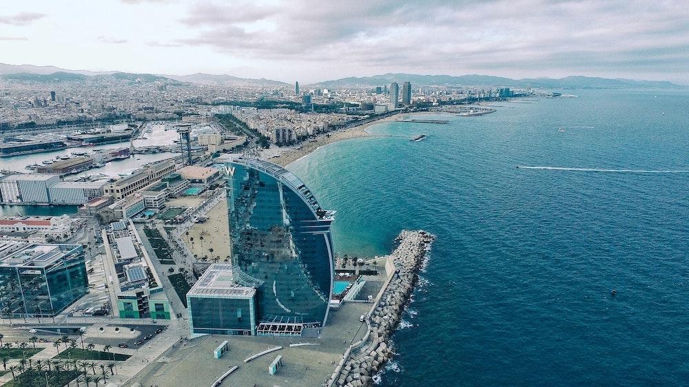 Падение цен на испанскую недвижимость в туристических зонах не будет сильным